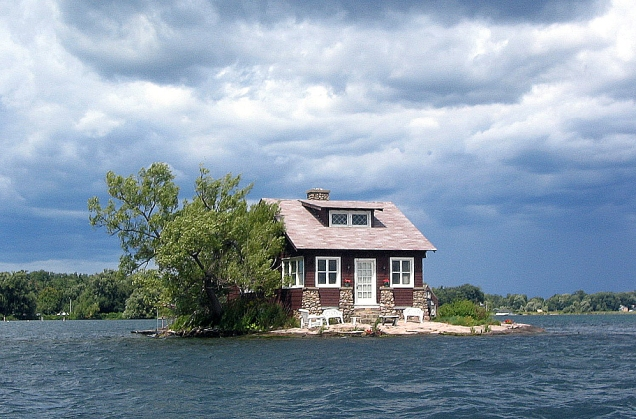 Thousand_Islands_single_house